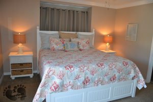 KING Bed with Ensuite Bath